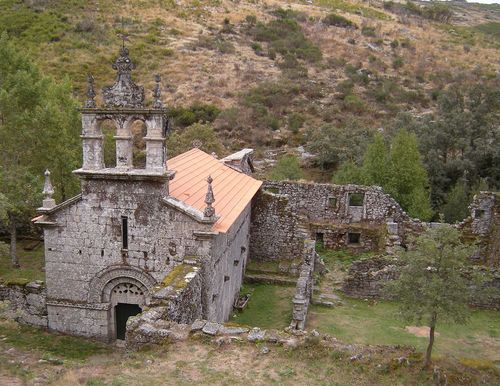 Santa_Maria_das_Junias_Monastery