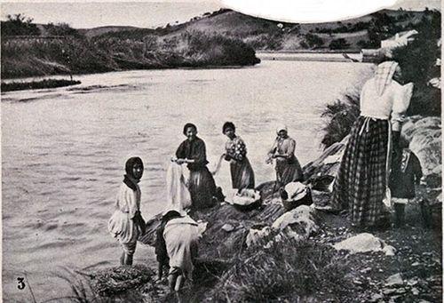 Lavadeiras do Rio Mira - Novembro 1913