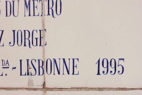 Fresque-azulejos-cargaleiro-metro-champs-elysees-clemenceau-9